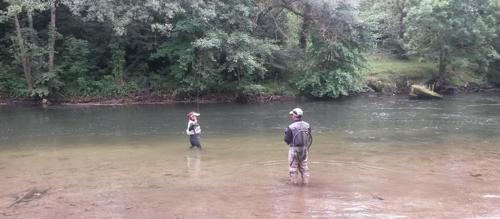 Guidage mouche avec Alexandre RODRIGUES Moniteur guide de pêche dans les Pyrénées