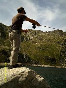 FLY FISHING Pyrénées vous accompagne sur les lacs Pyrénéeens