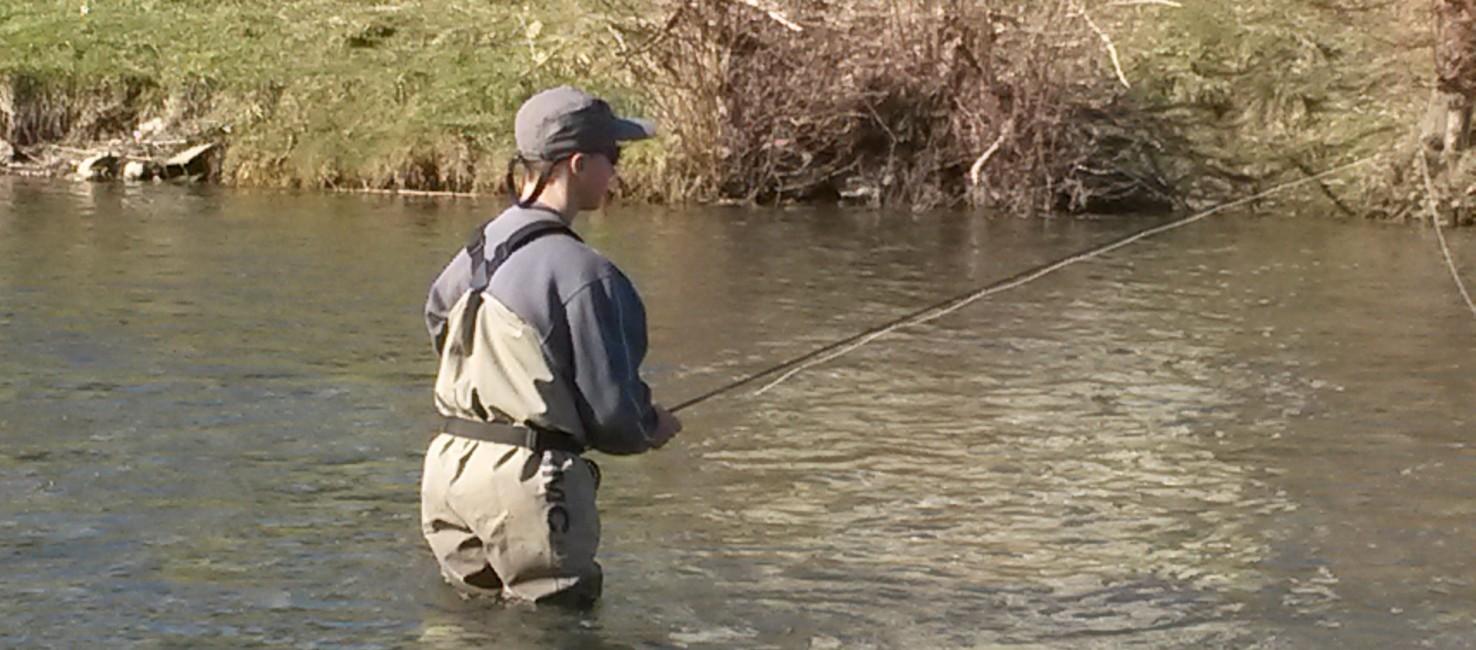 Stages de pêche à la mouche pour les adolescents